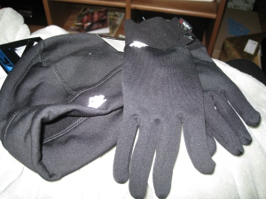 Hat and gloves to run in yay!